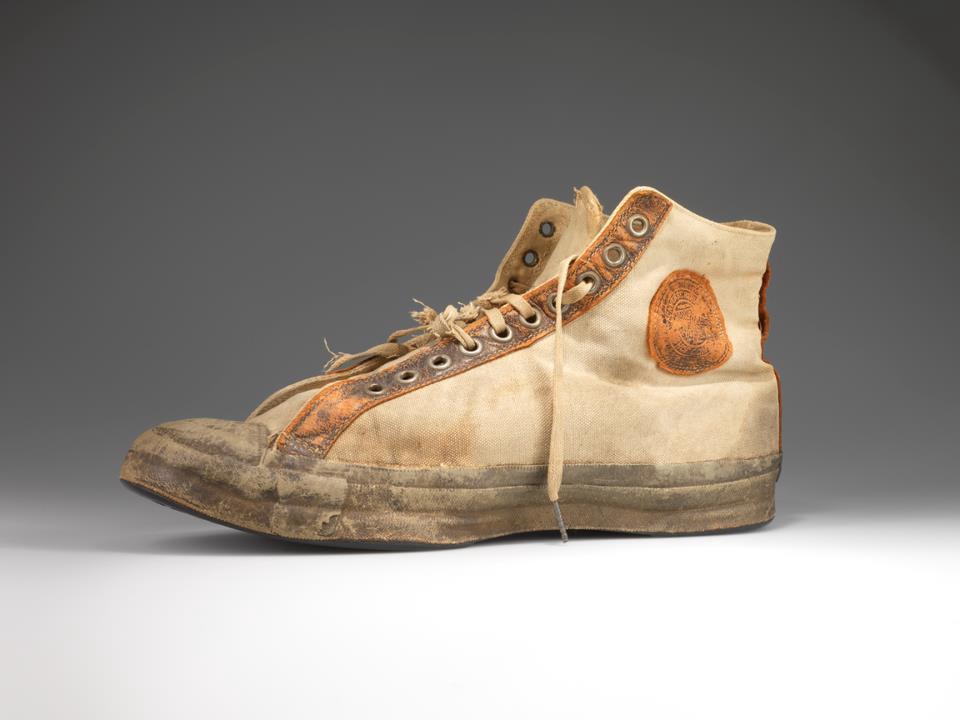 اولین کفش بسکتبال کانورس آل استار در سال 1917