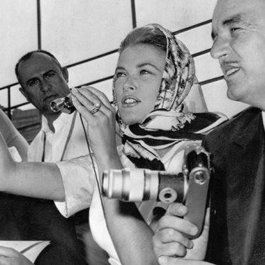 تاریخچه و خاستگاه روسری و آشنایی با «هِرمس» مشهورترین برند جهانی