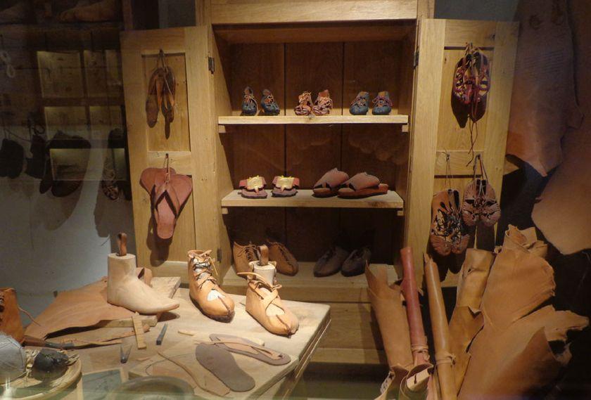 تاریخچه و تکامل کفش ها